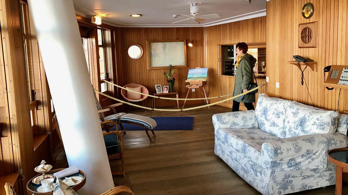 Salonik wypoczynkowy z wyjściem na główny pokład był ulubionym miejscem królowej. Foto: T. Bobrowski