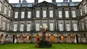 Pałac Holyrood, dziedziniec wewnętrzny. Foto: T. Bobrowski