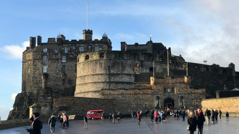 Zamek w Edynburgu, widok z Esplanady. Foto: T. Bobrowski