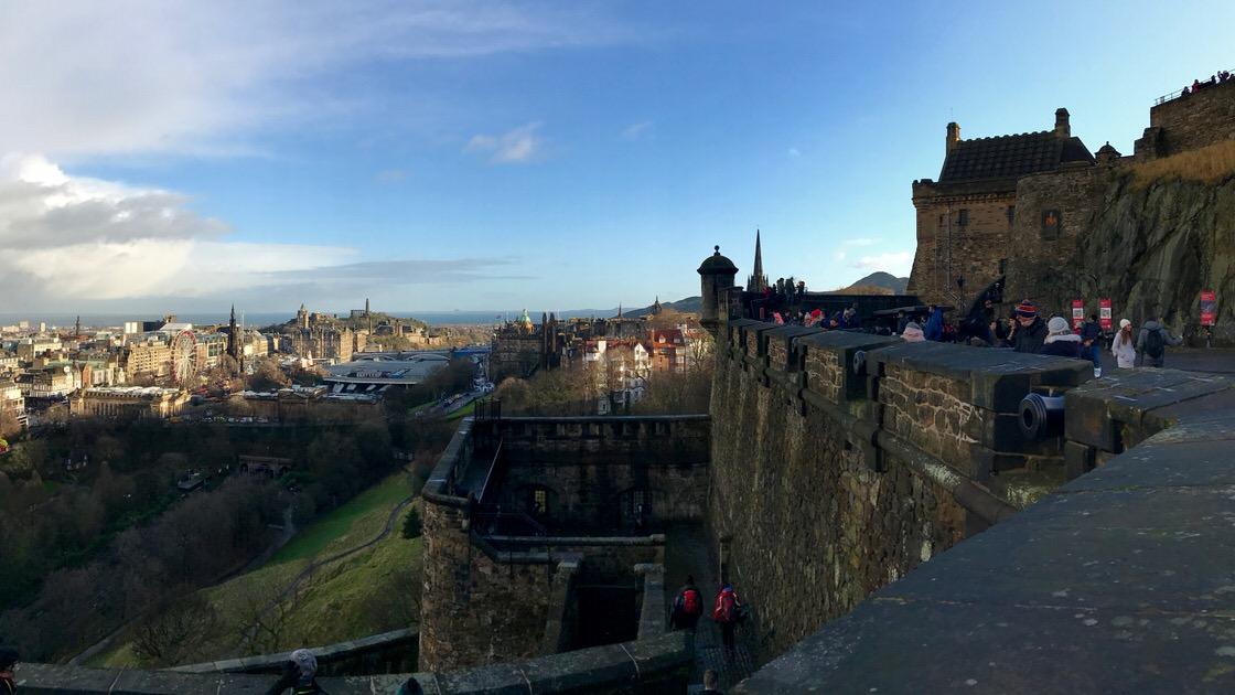 Panorama Edynburga z zamku w Edynburgu. Foto: T. Bobrowski