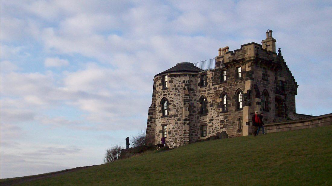 Calton Hill w Edynburgu: obserwatorium miejskie. Foto: M. Błażejczak