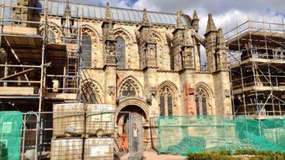 Kaplica Rosslyn podczas remontu w 2012 r. Foto: T. Bobrowski