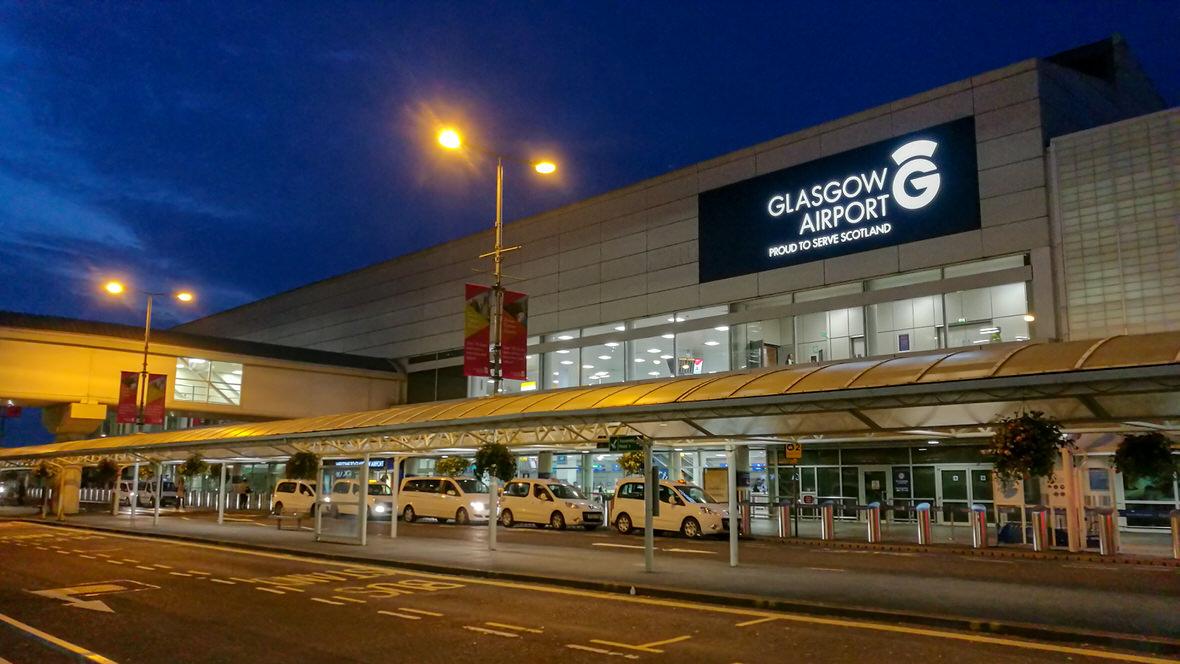Jak dojechać z lotniska do Glasgow? Autobus i taksówka - przewodnik